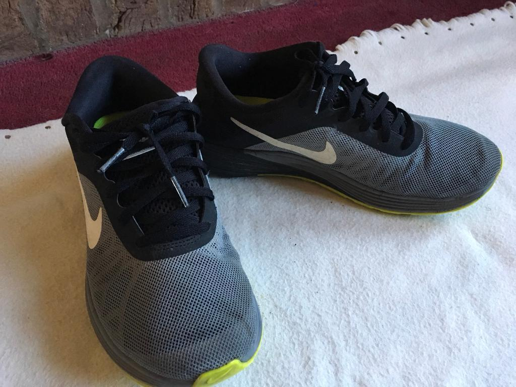 13ac88b2ee8c Nike ladies running trainers size 6 used good condition £6