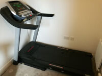 PRO-FORM i-FIT PERFORMANCE 1050 TREADMILL WITH SHOCK ABSORBERS AND STEREO SPEAKERS
