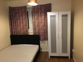 Double Bed Room to rent in share house