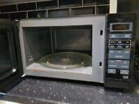 25litre Black Microwave Oven