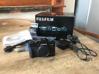 Fujifilm X-T10 USED TWICE - incl accessories and adapter ring f/ Leica m39 mount