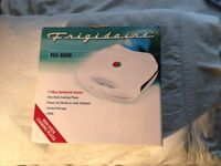 Sandwich Toaster Fridgidaire New boxed