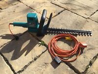 Hedge trimmer - Black and Decker