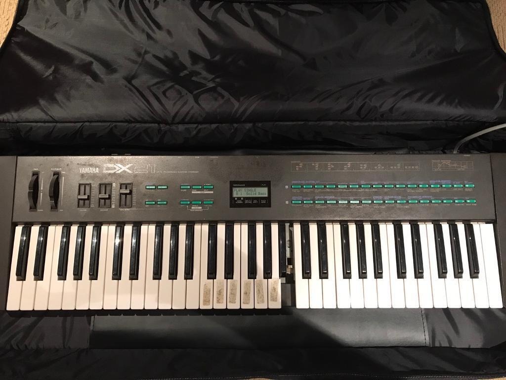 Yamaha DX21 Synth