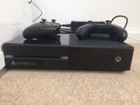 Xbox One 250gb Console with 2 Controllers, 2x rechargeable batteries and charger and bundle of games