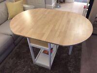 Elegant light Oak dining table