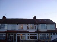 Large Double Room Shared House near Ponders End Station and Shopping Centre EN3