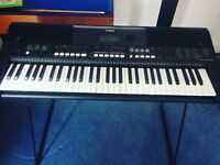 Yamaha keyboard PSR E433 brand new never been used unwanted gift stand included