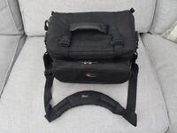 Lowe Pro Camera/Video Bag - Compact AWDV