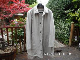 Raincoat / Overcoat / Mac / Jacket