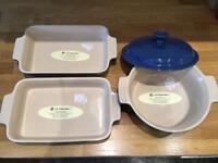 Le Creuset stoneware rectangular and round casserole dishes