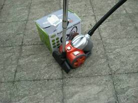 QUEST 1000w VACUUM CLEANER MODEL No 41720 BAGLESS AS SHOWN ****£5 ****