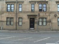 STUDIO FLAT TO LET IN PAISLEY, (LET AGREED)