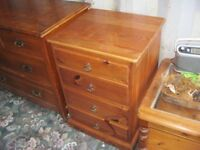 VERY STURDY SMALL 4 DRAWER CHEST OF DRAWERS. SOLID PINE. VIEWING/DELIVERY AVAILABLE