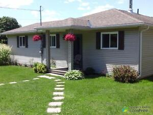 $369,000 - Bungalow for sale in Whitestone