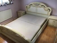 King size bed + side draws •free delivery