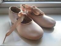 Genuine Capezio Tap Dance Shoes Size 11