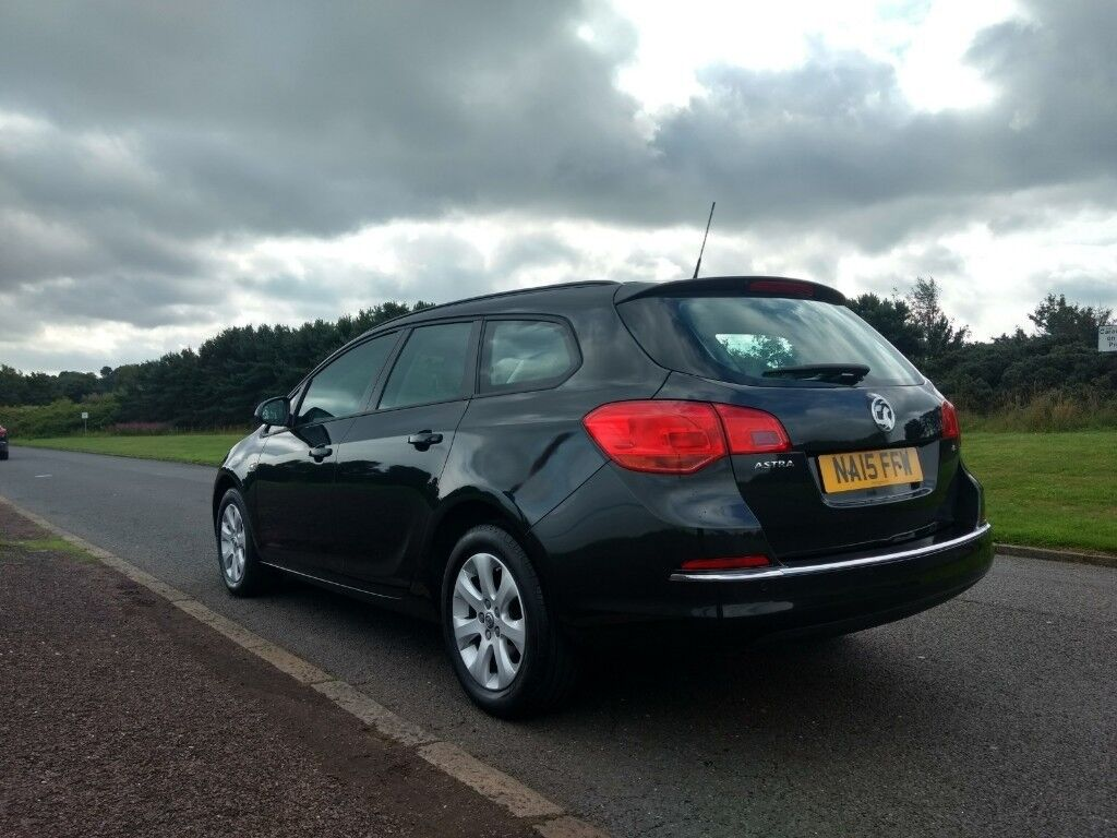 2015 Vauxhall Astra - ESTATE - AUTOMATIC - LOW MILAGE | in ...