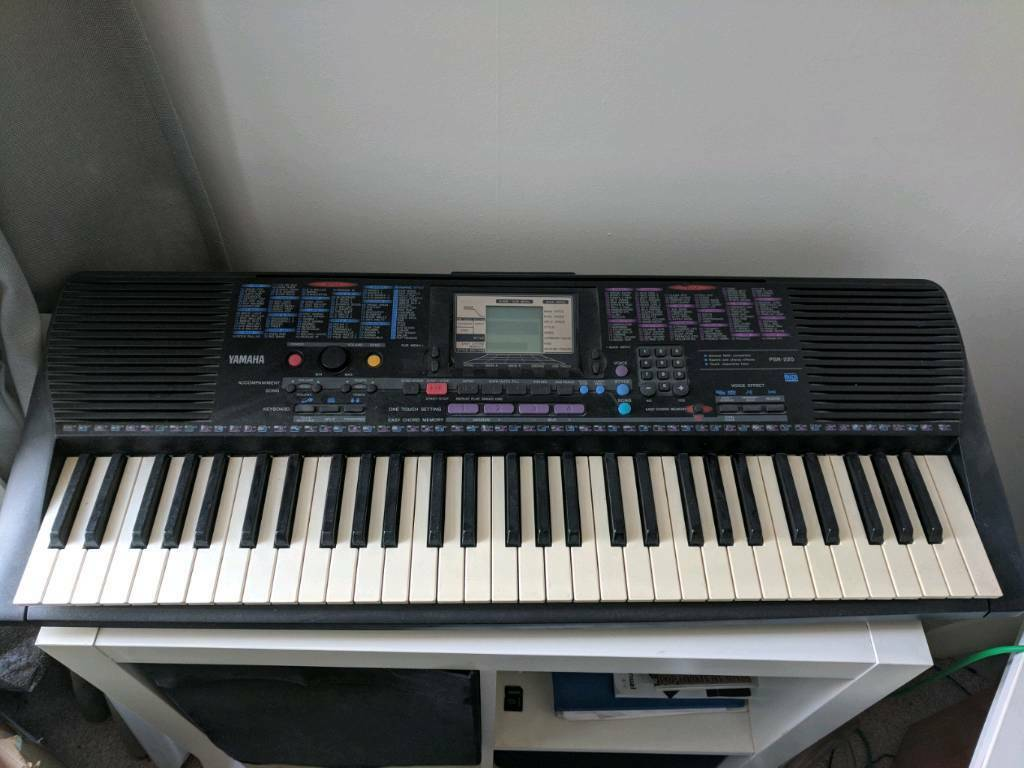 Yamaha Keyboard psr-220 MIDI | in Glasgow | Gumtree