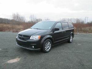 2012 Dodge Grand Caravan R/T..Leather!!  Stow 'n Go