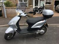 Great little piaggio 125 scooter