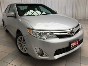2014 Toyota Camry XLE Sunroof, Navigation, 1 Owner !