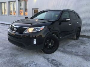 2014 Kia Sorento HEATED SEATS, BLUETOOTH, BACKUP CAMERA.