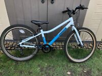 "Pinnacle kids mountain bike boys 20"" excellent condition"