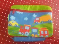 Child's lunch bag vehicle design