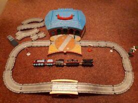 Thomas the tank engine track set with garage, 5 diecast trains