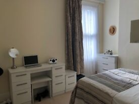 ROOM RENT PUTNEY BRIDGE 800£