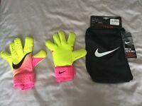 Nike VG3 Goalkeeper Gloves Size 8
