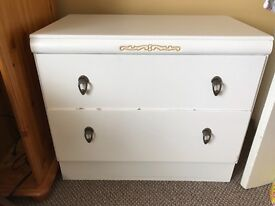 Lovely old fashion chest of drawers