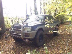 Mitsubishi L200 4life pickup truck Diesel Manual - Mud tyres Snorkel Export Offroad 4x4