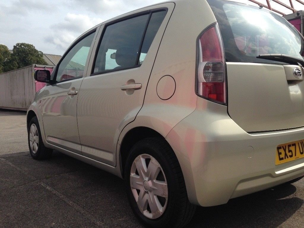 2007 daihatsu sirion s 998 cc 5 door £30 road tax a years £1099 no vat