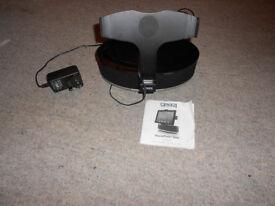 iPod/iPad speaker/docking stand
