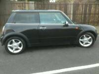 Mini 2004 hatchback black mot 60k miles automatic