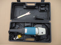 9 INCH ANGLE GRINDER FOR SALE NEW 110Volt. C?W Carry Case.