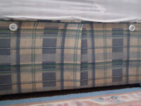 3ft Blue checked pattern single divan bed