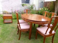 Beautiful Dining Table, Chairs & Console Table