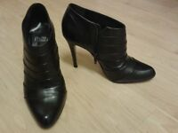FAITH Black Leather Shoe/Boots