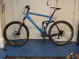 Trek Liquid MTB. Frame broken. All other components are good. This is a good buy for spares.