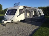 Excellent condition Vango air awning 280