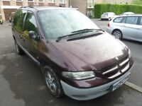 CHRYSLER VOYAGER 2000, 4 seats + wheelchair/small motorbike/bulky luggage, FULL MOT, drives well