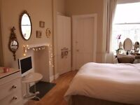 Double Bedroom with ensuite Shower Room in Stockbridge 3rd floor flat
