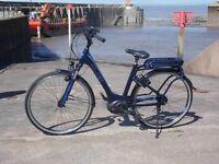 New Cube Travel Hybrid Pro 400 Electric Bike.