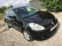 57 plate NEW shape 2007 Renault Clio - 1.2 petrol - Cheap tax and insuance - Good first car Air con