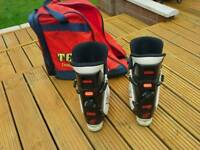 Ski boots size 8 or 9