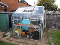 Green house for free ! Good condition