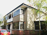 SUPER SPACIOUS 3 BEDROOM GROUND FLOOR FLAT WITH GARDEN NEAR ZONE 2 TUBE & 24 HOUR BUSES